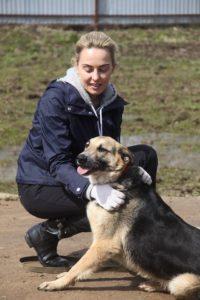 Счастливая история Лины, собака из приюта Лина с хозяйкой Леной zovpredkov.net